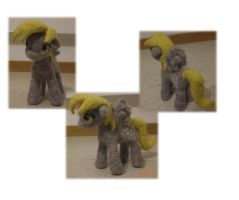 Derpy Hooves (Needle felted) by Holcifio