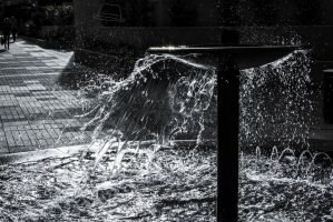 Water Spray - High Contrast by Labrug