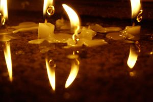 candles in the cruch by aylinbulek