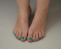 Smurfette's Toes in Green 10 by Feetatjoes