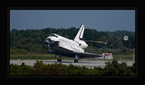 STS-127 Touchdown by OpticaLLightspeed