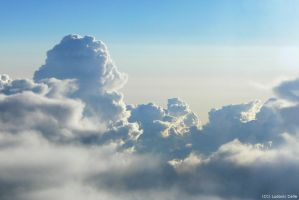 Sky from plane by Ludo38