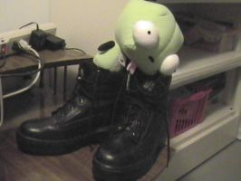 GIR Loves My Boots by twitcher