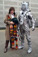 The 4th Doctor and Cyberman Cosplay by masimage