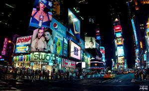 Times Square by tarua