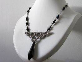 Snake Charmer cristal necklace by yinco