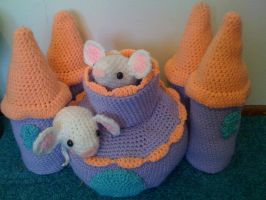 Amigurumi Mouse Castle by lovechairmanmeow