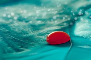 red water drop by Henxxx