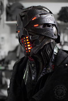 Erebus - Cyberpunk evil dystopian light up helmet by TwoHornsUnited