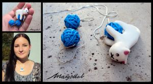 Kitty necklace - blue by margotkab