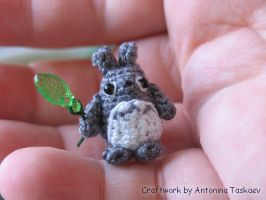Little Totoro by lovebiser