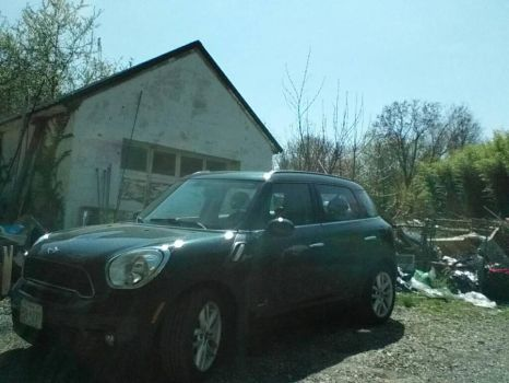 my dad's 2013 Mini Cooper Countryman by flamespark3500