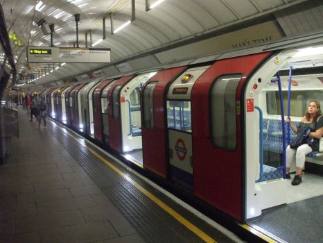 Victoria Line II by swirlythingy