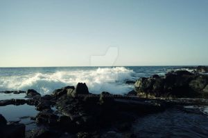 Waves Crashes by poshbeck