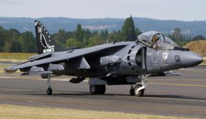 AV-8B Harrier II by shelbs2