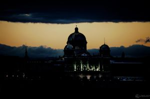 Storm over Parliament by LeWelsch