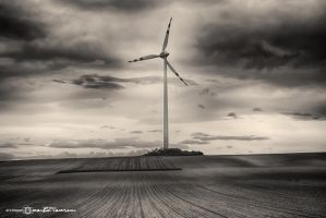 Electric Wind #05 by artofphotograhy