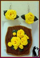 Roses Pendant by Talty
