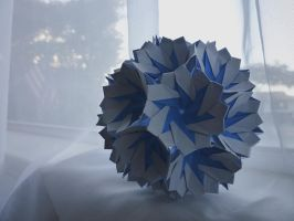 Mystic Kusudama (90 piece variation) by Zapper-Slapper