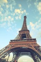 the Eiffel Tower in paris by hongryu