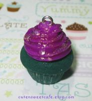 Green N Purple Scented Cupcake by pinknikki