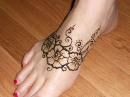 Mom's henna foot 2 by WarriorWhite