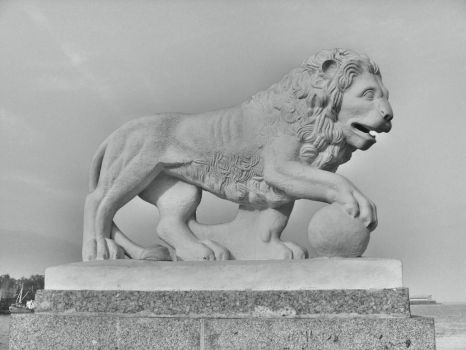 Lion Of Saint-Petersburg by chur