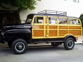 1953 International Harvester by Partywave
