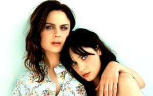 Emily and Zooey Deschanel wp by RoseTylerObsessed