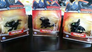 Spinmaster Toothless small figures by Vesperwolfy87