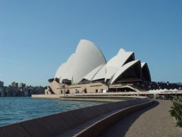 The Opera House by lstolzar
