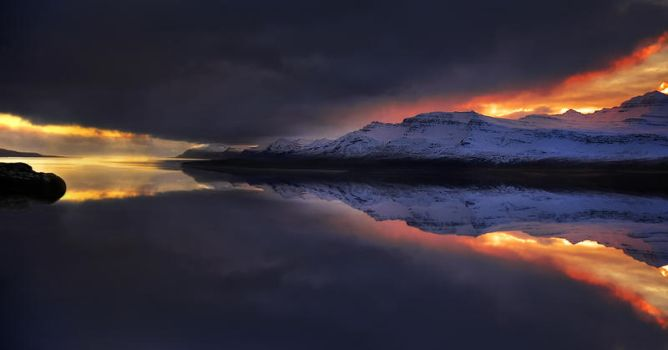 Iceland - like a mirror by PatiMakowska