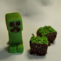 Creeper Sweets by BenjiiBen