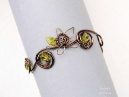 Wire armband with green leaves by IanirasArtifacts