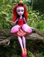 Red Queen Monster High Operetta Custom by AdeCiroDesigns