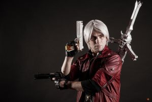 Dante cosplay by Jeike