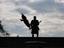 Statue outside Stirling Castle by Spagheth
