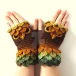 Brown Owl gloves by FearlessFibreArts