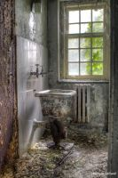 Old sink by pewter2k