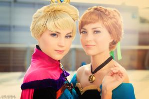 Anna and Elsa by PH-Chris