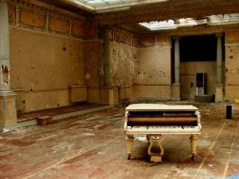White Piano by baldrickthecunning