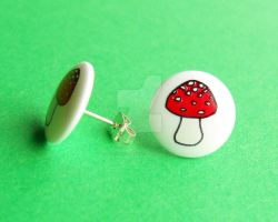 Mushroom Earrings by PorcelinaZero