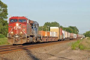 CP and HLCX 35T 7-26-11 by the-railblazer