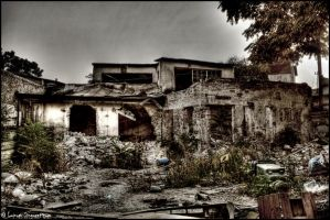 Broken home by lupumsinguraticum