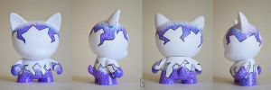 Stippled Trikky Munny by bethanydesigns