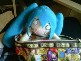Miku caught red handed by Mokulen22