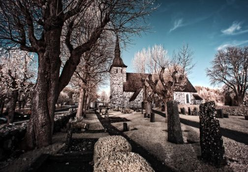 Botkyrka Church - Infrared by linkahwai