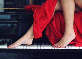 The girl and the piano by Moonlight-Traveller