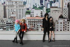 Dollmeet 291212 - On the street by Zetahadrian