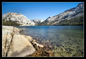 Lake Tenaya by 2Stupid2Duck